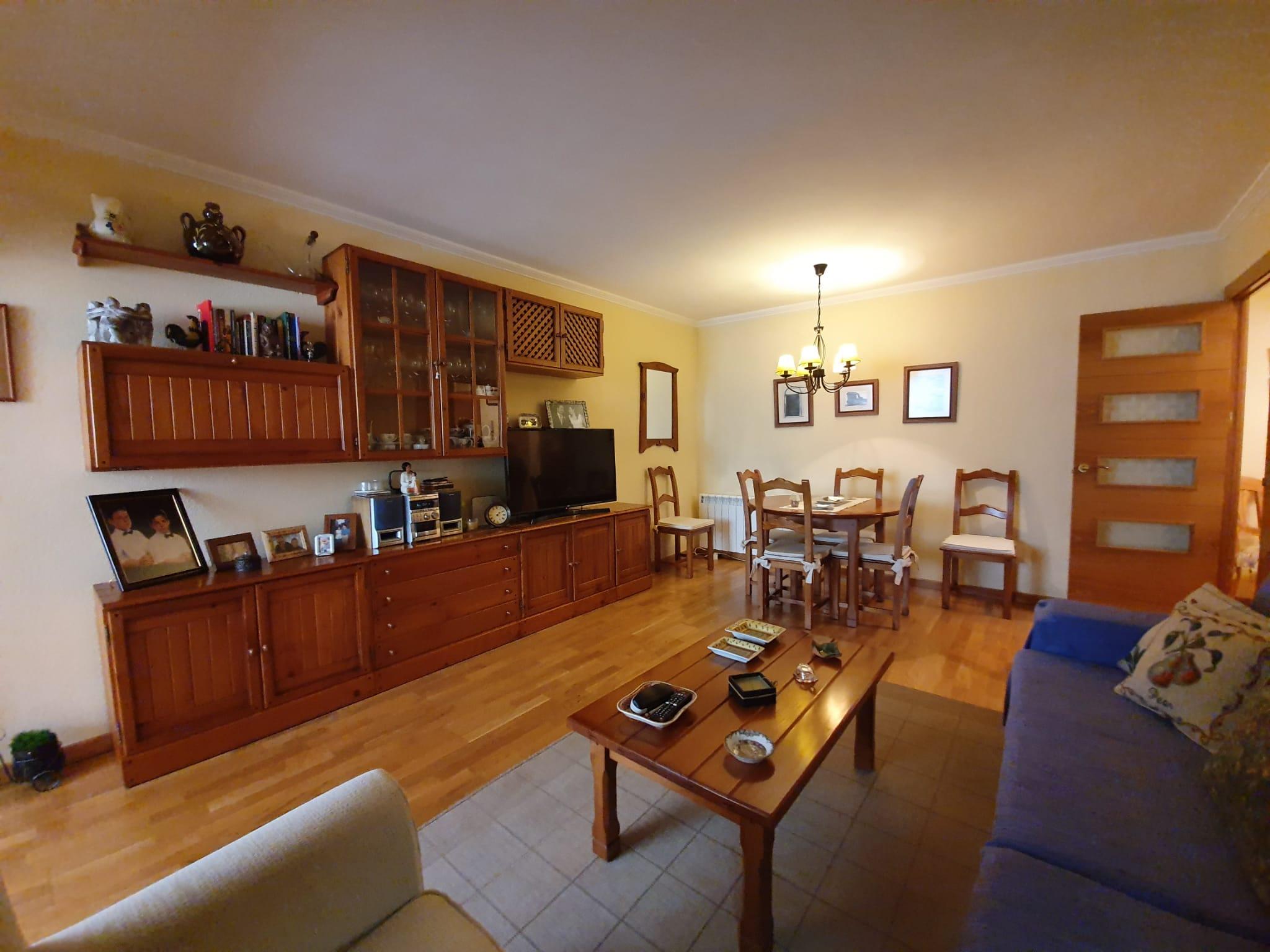 Piso – 3 dormitorios – San Blas – Renfe