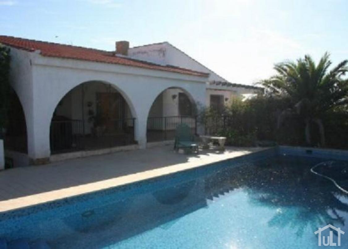 Chalet – 3 dormitorios – El Moralet – Alicante