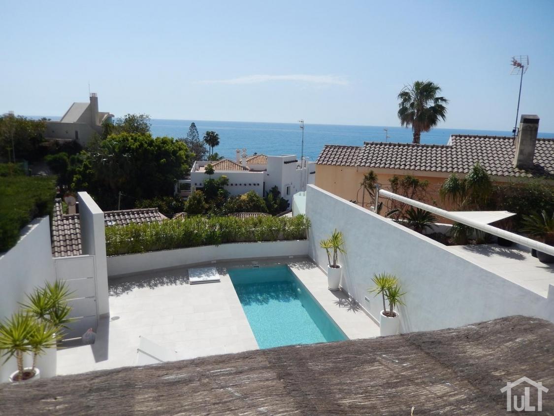 Adosado – 5 dormitorios – Playa San Juan – Cabo Huertas
