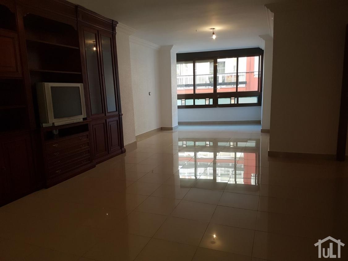 Piso – 5 dormitorios – Alicante – Centro