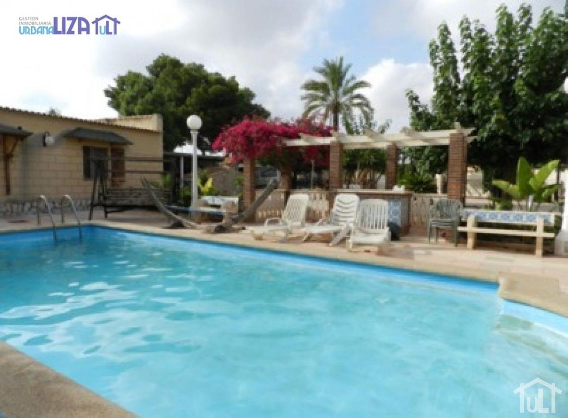 Chalet – 6 dormitorios – San Vicente del Raspeig – Sol y Luz