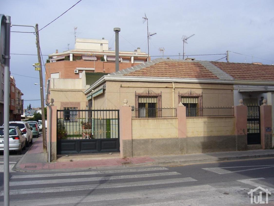 Casa – 3 dormitorios – Los Angeles – Alicante