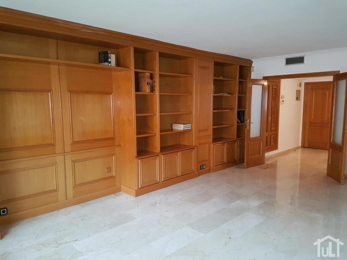 Piso – 4 dormitorios – Alicante – Centro