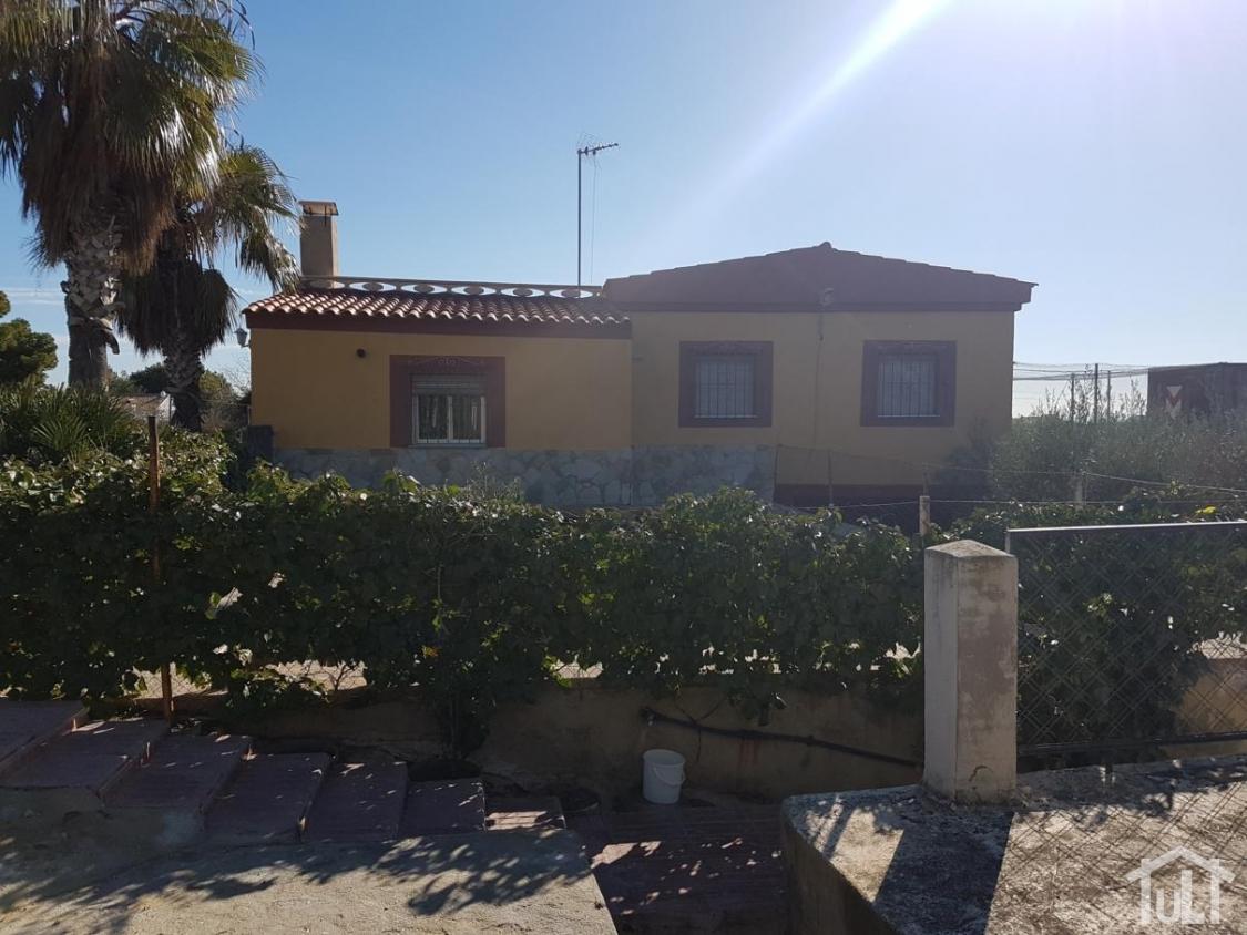 Chalet – 4 dormitorios – La Cañada – Alicante