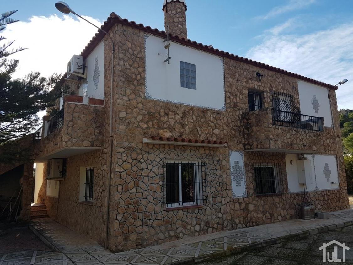 Chalet – 4 dormitorios – Moralet – Alicante