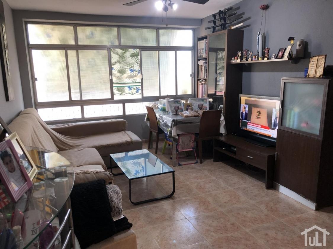 Piso – 2 dormitorios – Carolinas – Alicante