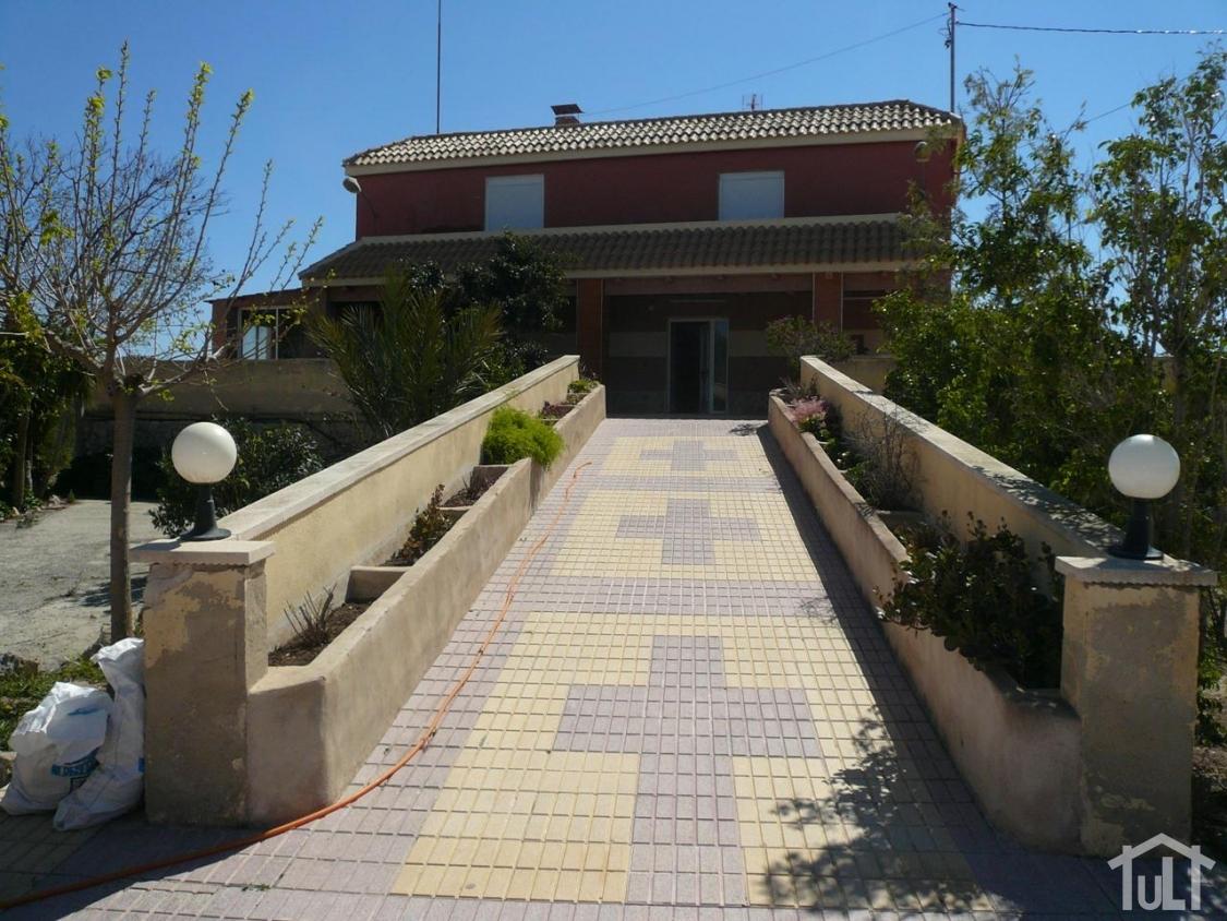 Chalet – 7 dormitorios – San Vicente del Raspeig