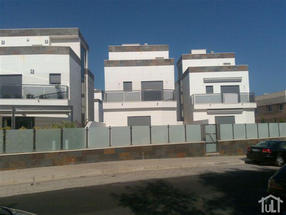 Chalet – 4 dormitorios – Cabo Huertas