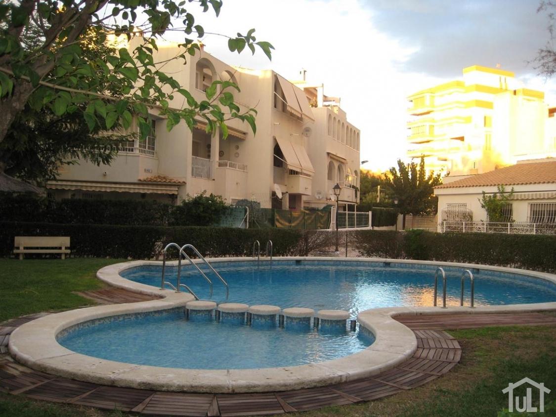 Adosado – 4 dormitorios – Playa Muchavista – El Campello