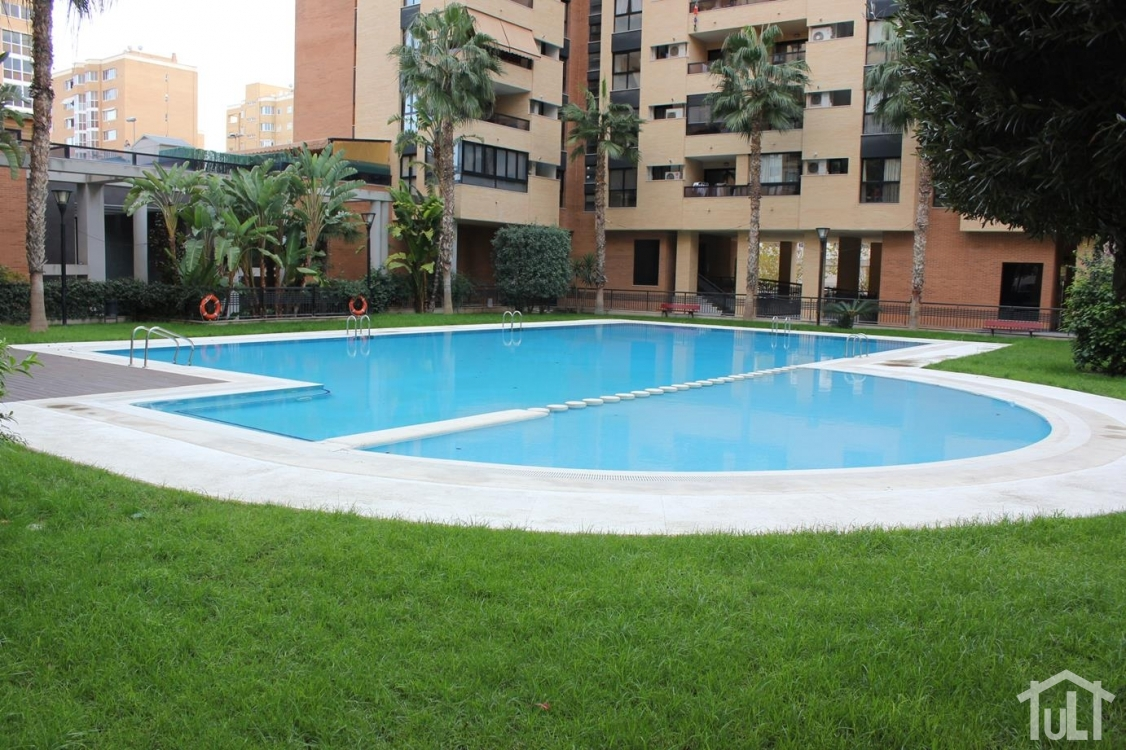 Piso – 4 dormitorios – Pau I – Alicante