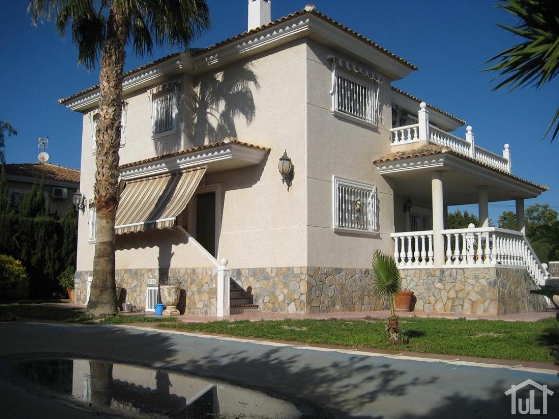 Chalet – 5 dormitorios – Los Girasoles – San Vicente del Raspeig
