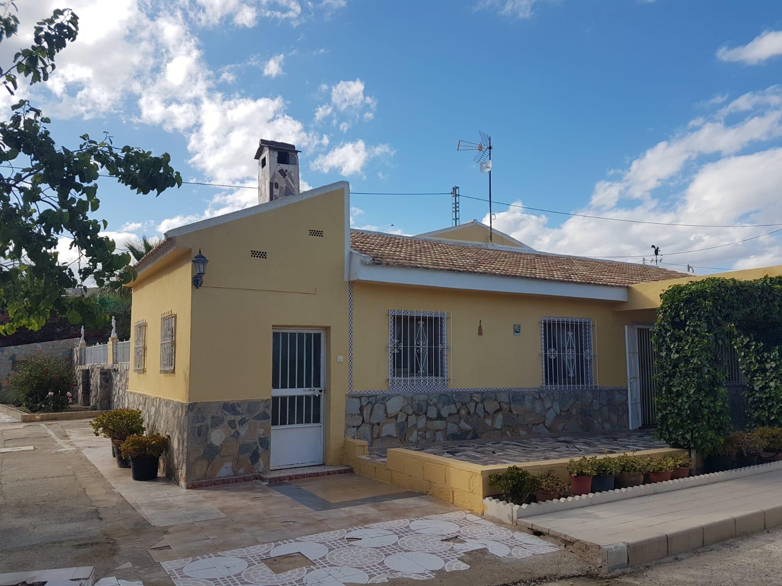Chalet – 4 dormitorios – Alicante – Moralet