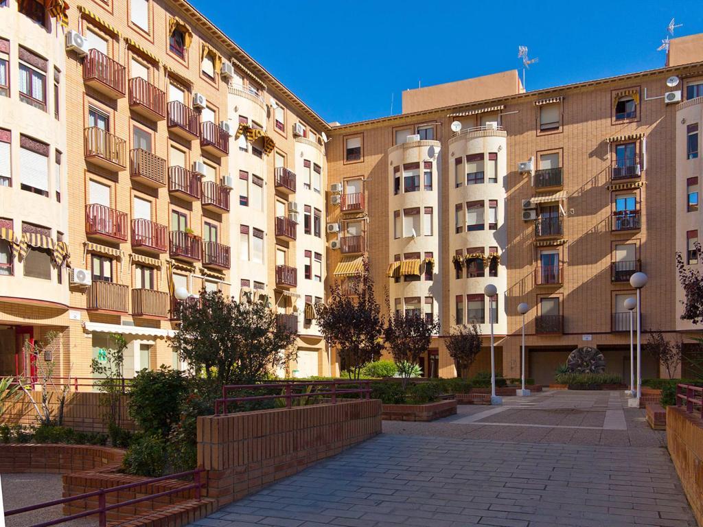 Piso – 4 dormitorios – Alicante – Altozano