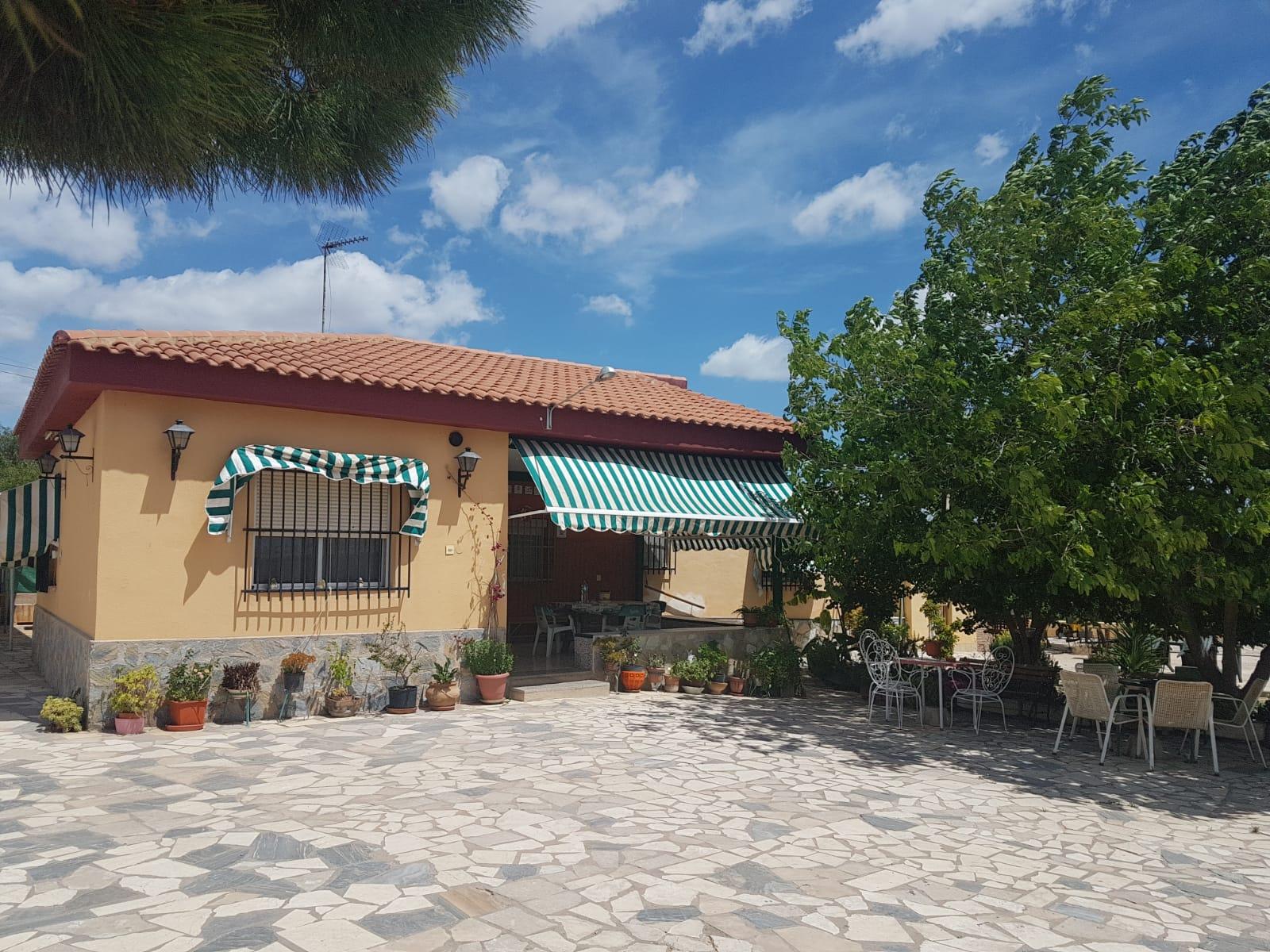 Chalet – 4 dormitorios – San Vicente del Raspeig – Boqueres