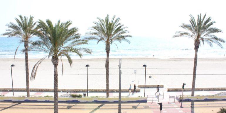 Vivienda de Dos Dormitorios en frente de la Playa
