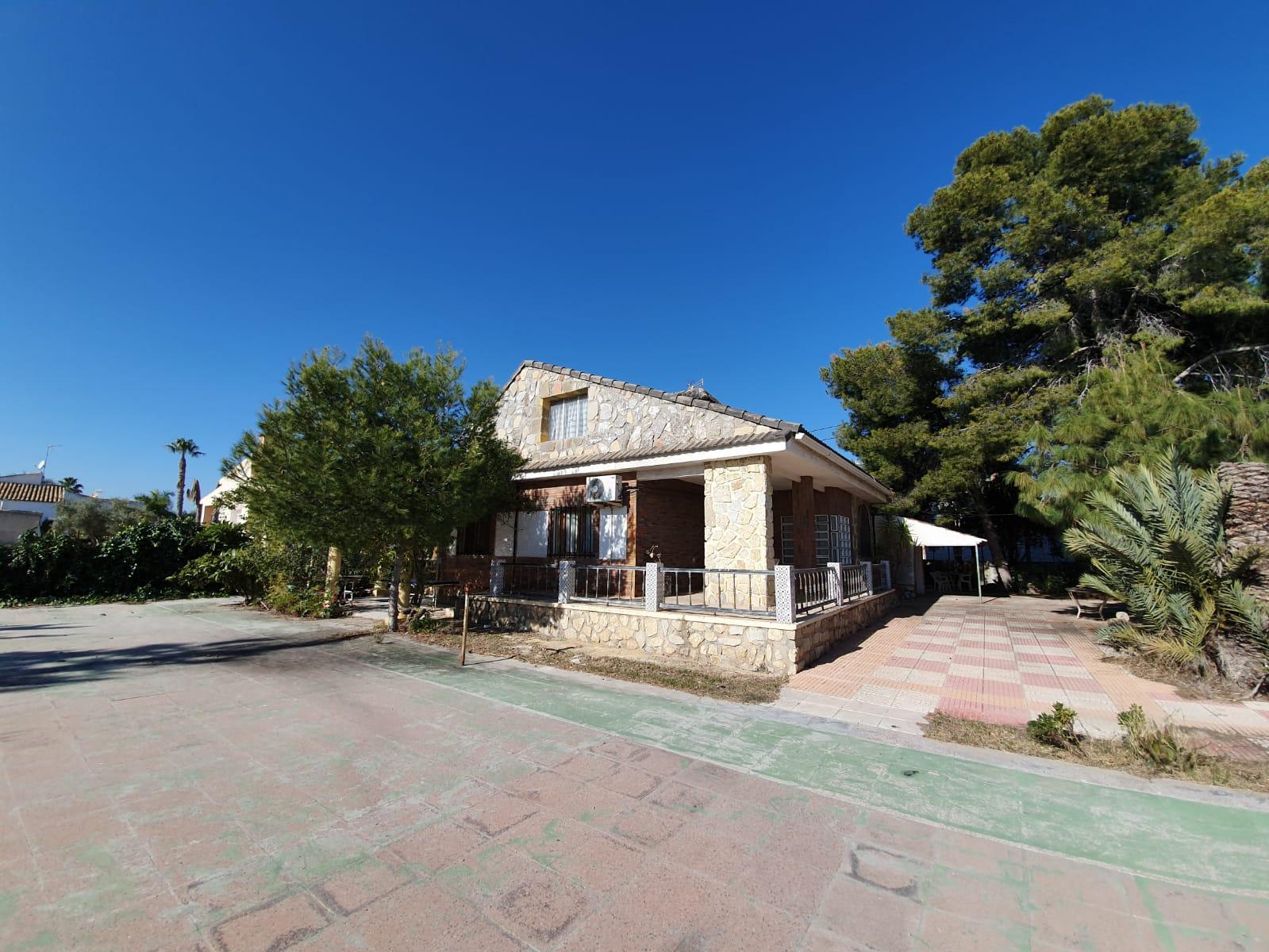 Chalet – 5 dormitorios – San Vicente del Raspeig
